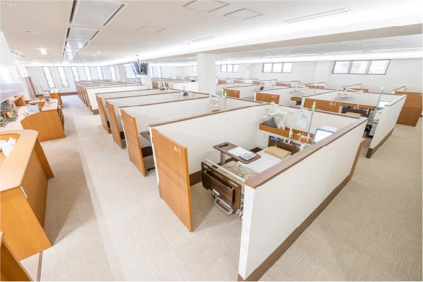 半個室でプライバシーの守られた透析室