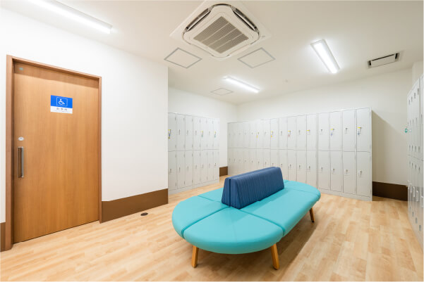 落ち着きのある綺麗な更衣室